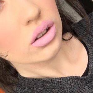 Jeffree star velour liquid lipstick Virginity
